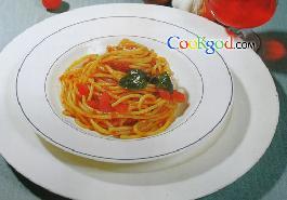意大利面條配番茄汁