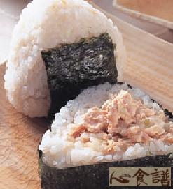 日式鲔鱼沙拉饭糰