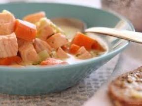 西餐 三文鱼肉蔬菜汤
