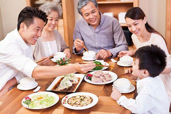 在餐桌(飯桌)上有哪些禁忌需要注意的?