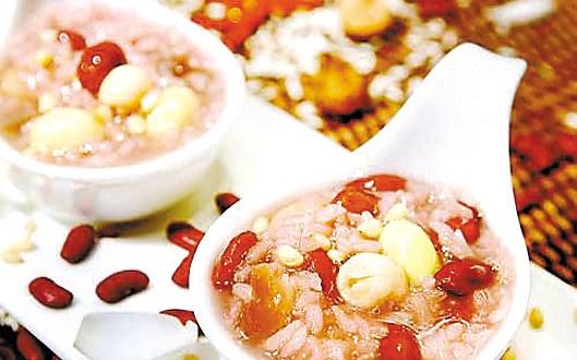 老北京人记忆中的腊八节:煮腊八粥赠四邻讨吉利1