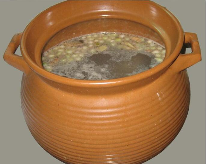 苦茭鵝掌湯