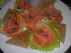 西式美食——烟熏三文鱼沙拉