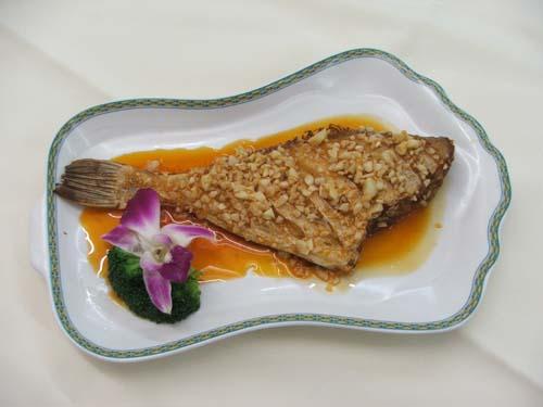 蒜香扒皮魚