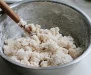 面粉用開水燙勻