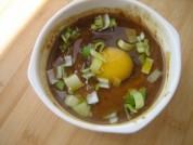 放入葱花,豆油,虾皮,上锅蒸12分钟即可。